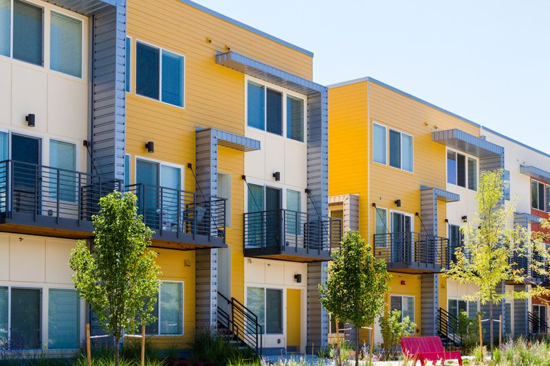 outside of apartment complex, what you should consider when securing a renters insurance policy
